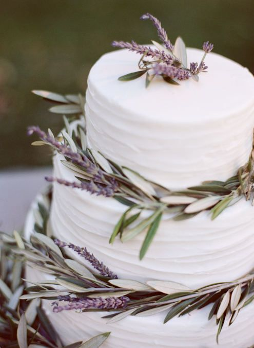 lavender cake: Ideas, Simple Cakes, Cakes Decor, Lavender Wedding, Wedding Cakes, White Cakes, Lavender Cakes, Weddingcak, Branches