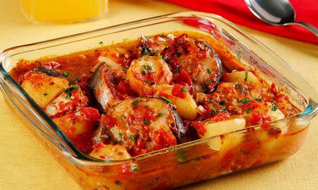 Receita de Peixe ao forno - Peixe ou fruto do mar - Dificuldade: Médio - Calorias: 432 por porção