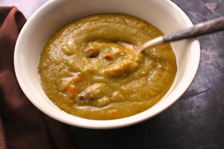 Slow Cooker Split Pea Soup Recipe I made this for Chaz and my brother husband tonight and they both loved it!