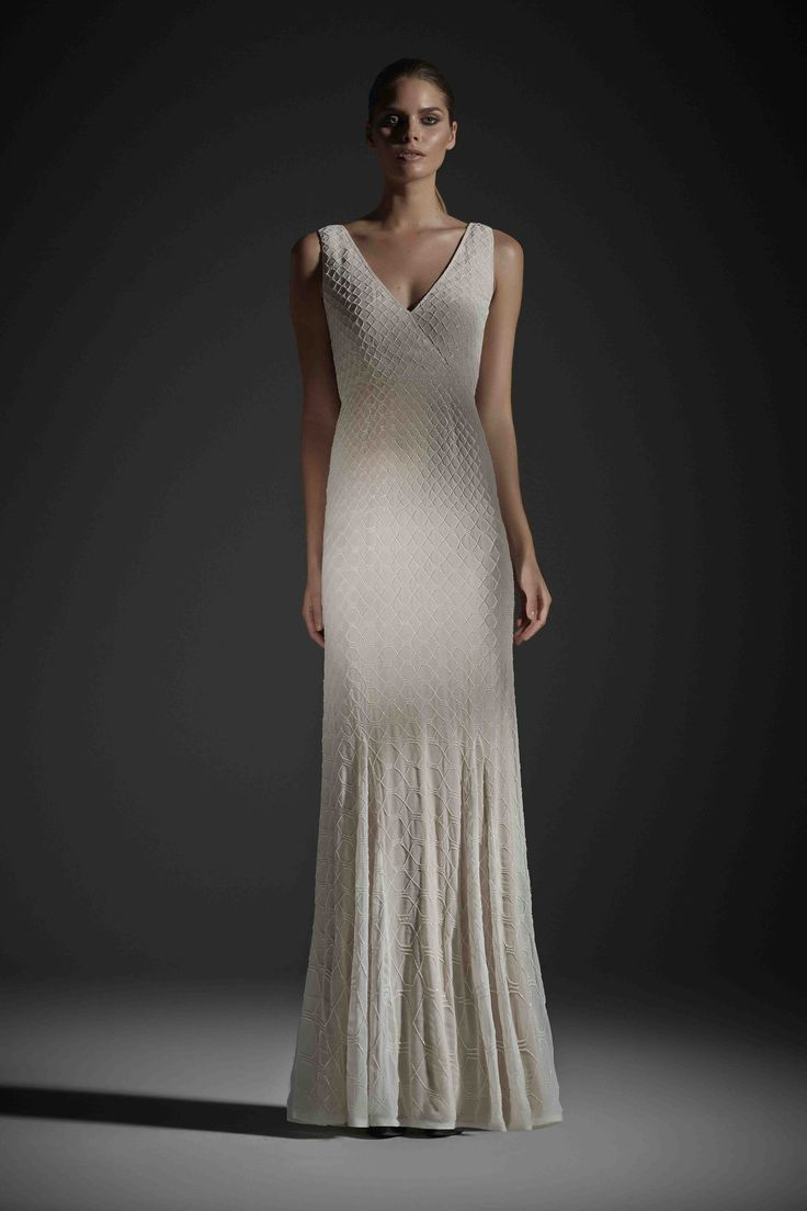 R14 WILLOW GOWN IVORY