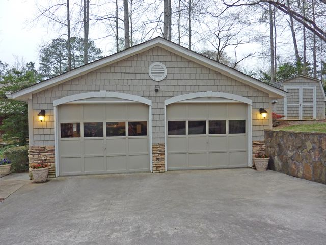 Best 25 detached garage designs ideas on pinterest for Small two car garage