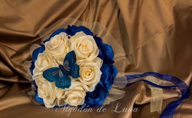 Ramos de flores de tela de Algodondeluna@gmail.com en azul Klein y blanco para conservar por Siempre Jamás. 606619349 Fotografía José Luis Duarte