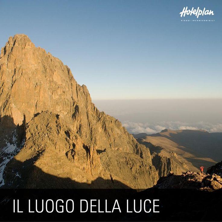 Lo sapevi che… Il Monte Kenya, la seconda vetta africana per altezza, è il regno di Ngai, dio della popolazione Kikuyu. Tutte le abitazioni Kikuyu sono rivolte verso questa vetta sacra che viene chiamata Kirinyaga, ovvero luogo della luce.
