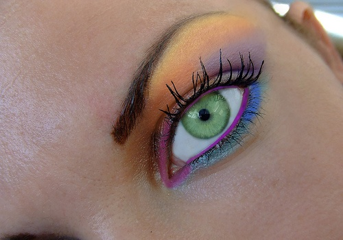: Stunning Eye, Eye Makeup, Multi Colors, Eye Colors, Fun Kids, Colors Eye, Cool Makeup, Nice Colors, Beautiful Eye
