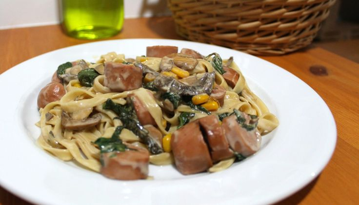 Sausage & Spinach Pasta – Miss Known || Quick Recipe
