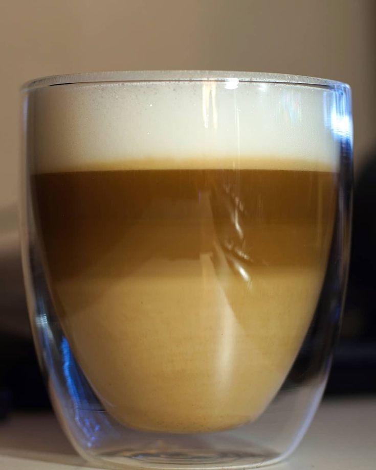Cappuccino love - jetzt kommt der ruhige Teil der stillen Zeit . More on my website keinsinn.de . #cappuccino #coffee #coffeelove #closeup #relaxing #christmas #evening #photographer #potd #pictureoftheday #photooftheday #awesome #art #sonyalpha #sonyalpha5000 #oldlens #canonfd50mm #vintage #keinsinn #niederzier