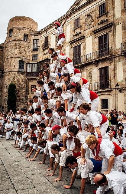 Human Pyramid ∞ Falcons de Barcelona This picture makes me feel proudly catalan. Phantasthic picture and activity!