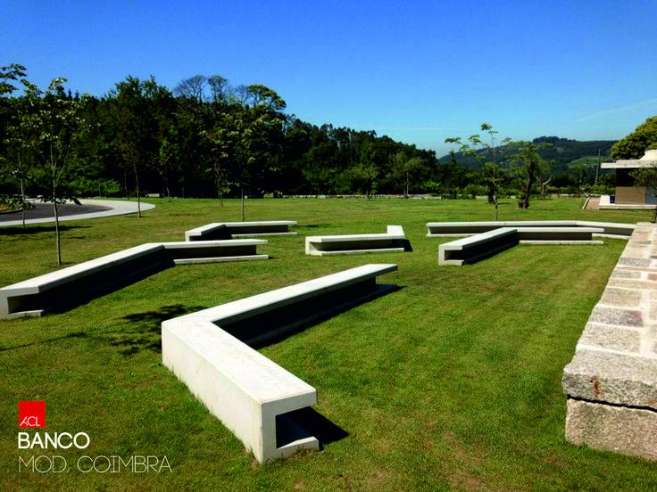 Veja como ficou! Guimarães Banco Mod. Coimbra -- Take a Look! Guimarães Banc Mod. Coimbra #acl #acimenteiradolouro #obrarealizada #banco #jardim #betao #workdone #bench #garden #concrete