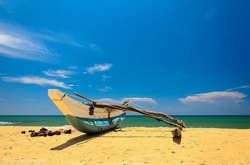 Fishing boat, Arugam Bay, Sri Lanka (www.secretlanka.com)