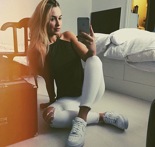 Black and white. Nike air force white shoes, sneakers. Blonde hair cool outfit loving this outfit