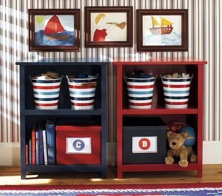 cameretta maschietto. secchi per decorare, decorare la cameretta, secchi per giocattoli