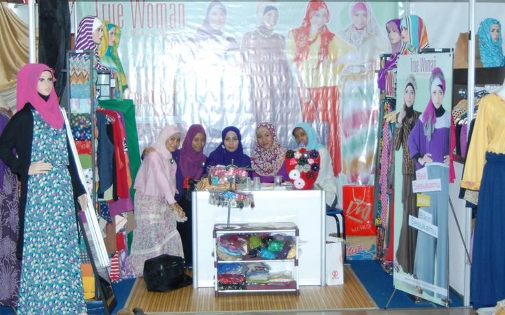 Stand Pameran #hijab #fashionhijab #islamicfashion #hijabstore #indonesia #moslem_fashion #abaya #woman_fashion #womanfashion