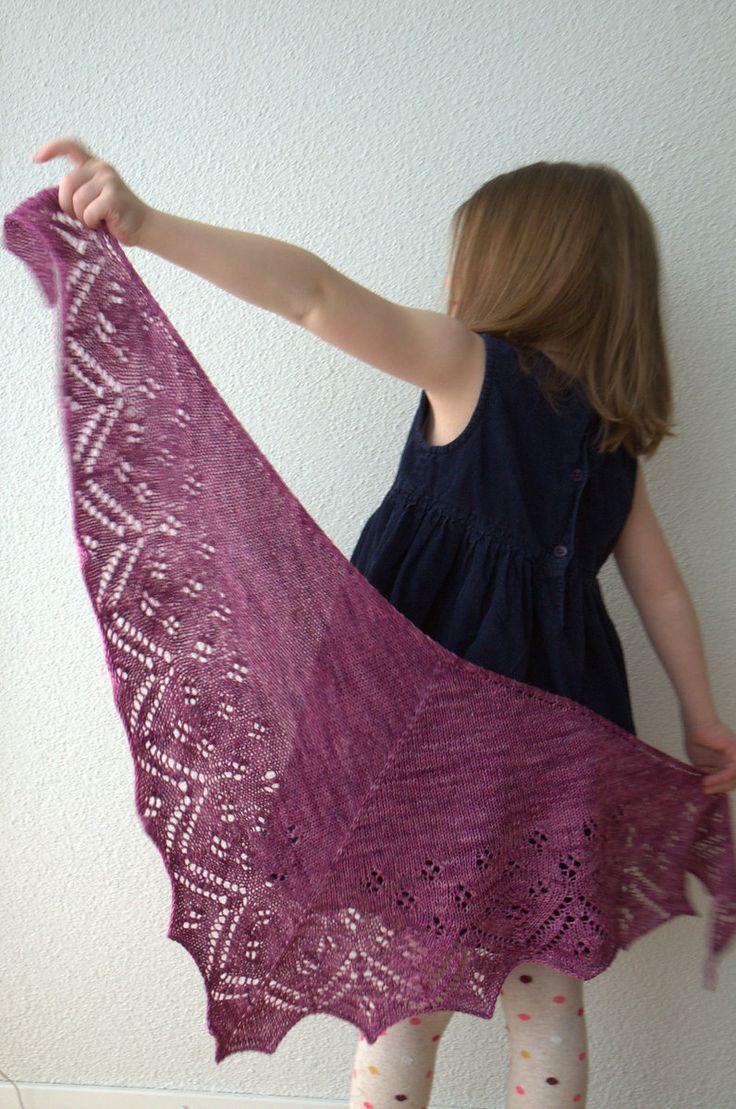 Ravelry: Go Shawl pattern by Zsuzsa Kiss