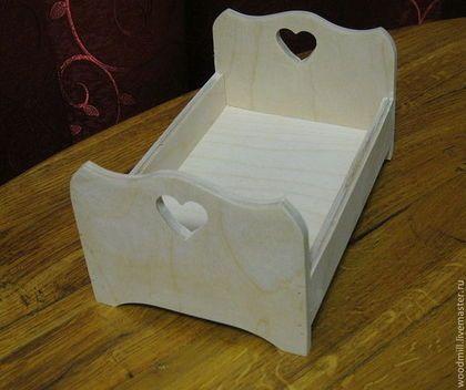 Купить или заказать Кроватка кукольная в интернет-магазине на Ярмарке Мастеров. Кукольная деревянная кроватка. Размеры - 13см на 20см,высота 9 см, по вашему заказу сделаю любой размер Возможно изготовление из дерева - цена договорная Кроватка подходит для разных творческих работ - декупажа, росписи, выжигания и пр.