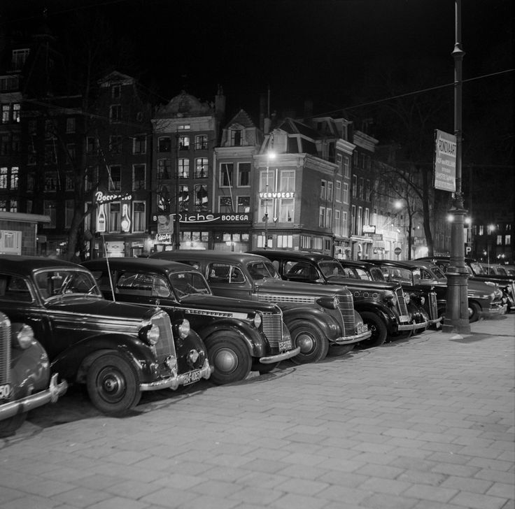 1950. Thorbeckeplein in Amsterdam. The Thorbeckeplein is located in the center of Amsterdam, adjacent to the Rembrandtplein. The square was created by the attenuation of part of the Reguliersgracht between Herengracht and Reguliersdwarsstraat in 1874. The square has been a major entertainment area for decades. The name of the square commemorates Johan Rudolf Thorbecke who played an important role in the formation of the Dutch Constitution. Photo Lood van Bennelom #amsterdam #1950…