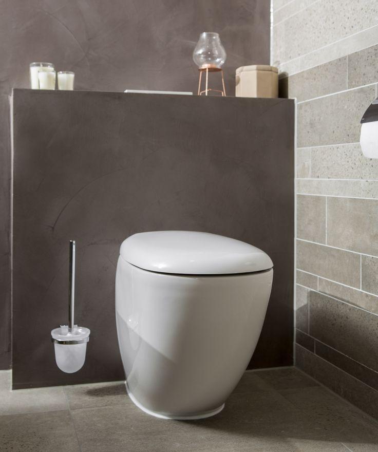 Creatief: Zelfs het toilet is niet standaard in deze badkamer en kent een bijzonder en uniek ontwerp. Een lust voor het oog!