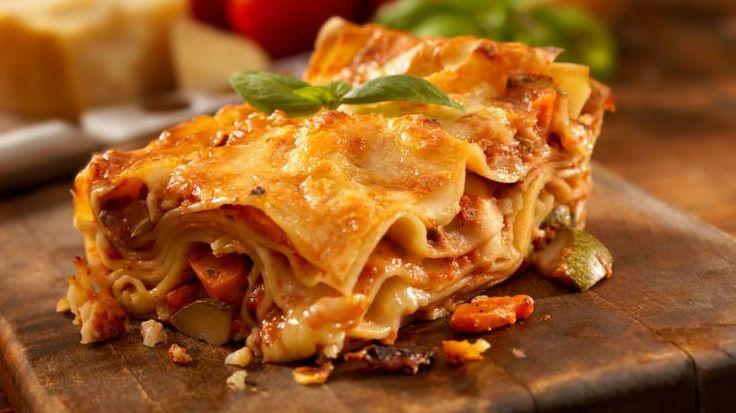 Sie suchen das leckerste und beste Lasagne Bolognese Rezept der Welt? Wir haben es! Die duftet nicht nur verlockend, ihr Geschmack ist ebenso köstlich!