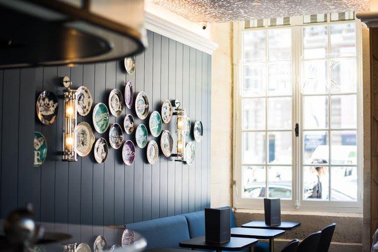 Le club style avec un éclairage design Café Le Nemours à Paris