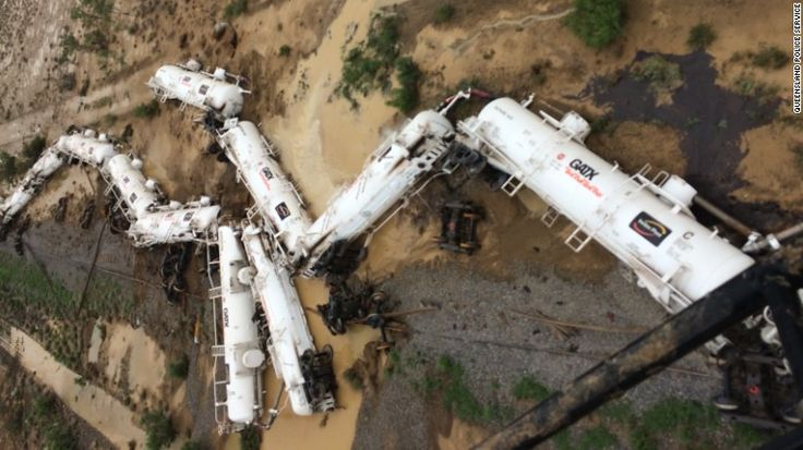 DEVELOPING: Australian train derails with tens of thousands of gallons of acid on board