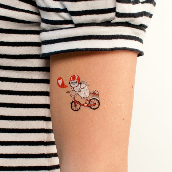 I have to have this.    Pug Tattoo at Tattly $5.00