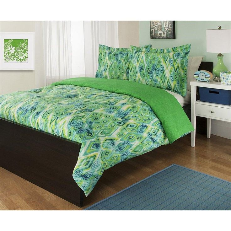 Best 25 green comforter ideas on pinterest green for Lime green bedroom furniture