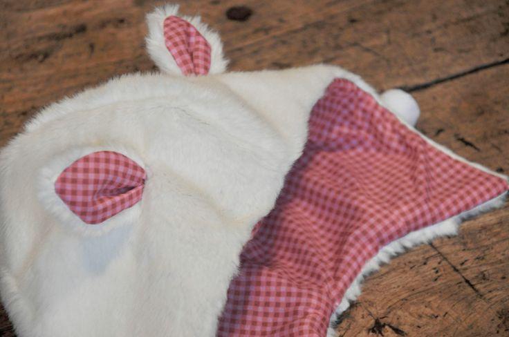 cache-oreilles-fourrure-et-tissu-vichy-Frou-Frou par Bis-Cute