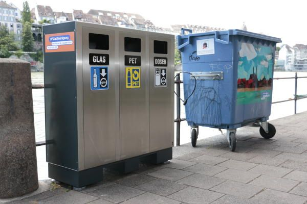 Recycling Station, Wertstoffbehälter, Abfalltrennen Aussen, Draussen, Komunal