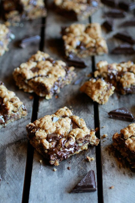 Dark Chocolate Chunk Oatmeal Cookie Bars. Made with coconut oil!