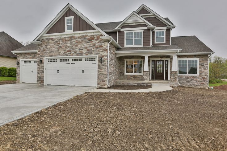 13574 Limerick Dr., St. John, IN 46373 - presented by Adam & Lisa Harrington | Eenigenburg Builders, Inc. | Gorgeous new construction. 4 bed, 2.5 bath, 2 story Craftsman style home. 3 car garage. http://13574limerickdr.thebestlisting.com/