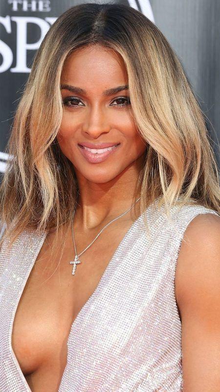 Golden Cheveux Blonds Faits Saillants Cheveux Celebres Hair Color Fall Hair Colors Ve Cool Hair Color