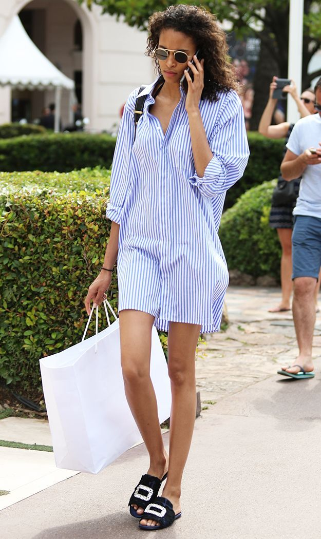 Need a fresh new summer weekend outfit idea? Look no further. A top model just wore the perfect thing, and it needs to be copied. Shop it here.