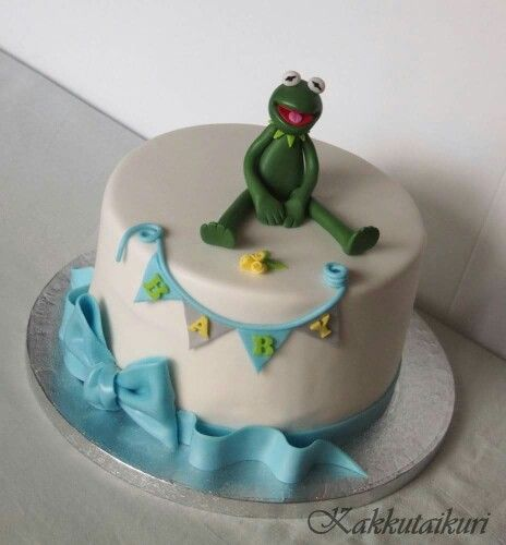 Baby shower cake with kermit topper