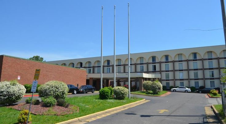 Real Value Inn Memphis Located 20 minutes' drive from central Memphis, this hotel is less than 5 miles from the Memphis International Airport. Free Wi-Fi and banquet facilities are available.