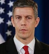 Arne Duncan, Next Governor of Illinois? from deutsch29 blog...strangely, next to Bruce Rauner, Arne Duncan doesn't look as bad...