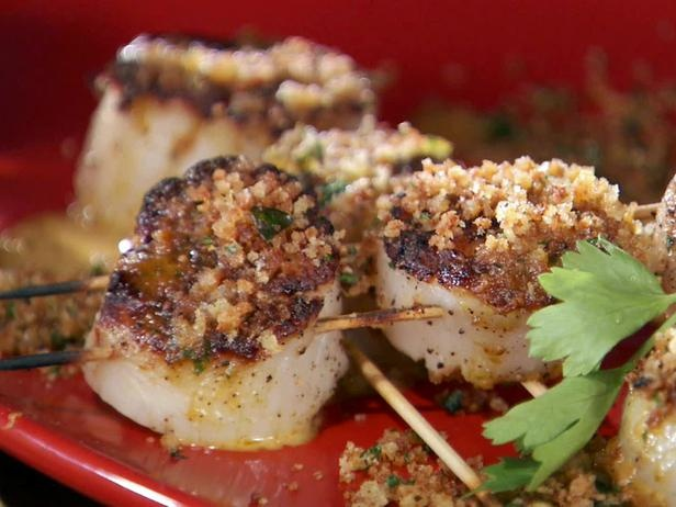 Grilled Sea Scallop Skewers with Creamy Hot Pepper and Garlic ...