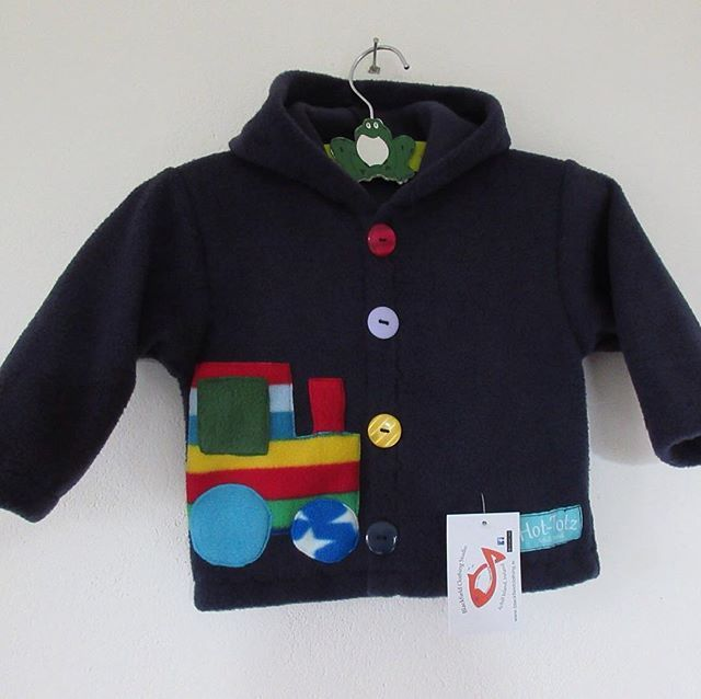 #kidsjacket with #tractor and #train, #warmandcozy in this #fun #fleecejacket. #falljacket #autumnjacket #keepwarm
