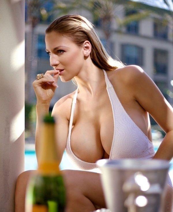 Bikini LookBook of Big Boob Glamour Model-Global Intimate ...