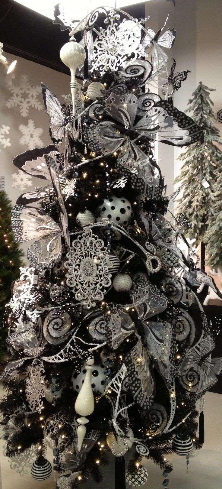 Alberi di Natale neri - Albero con farfalle