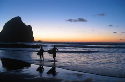 Twilight at Piha Beach, by Ben Molony, part of the June 2012 NZ Photo Contest