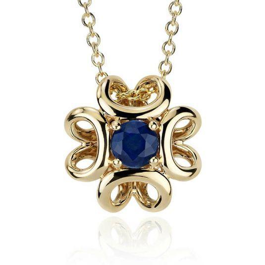 Кулон с сапфиром в элегантной оправе из золота 585 пробы - это украшение, одев которое, каждая женщина в любой ситуации ощутит себя роскошной и женственной. Вес изделия - 0,7 грамм.
