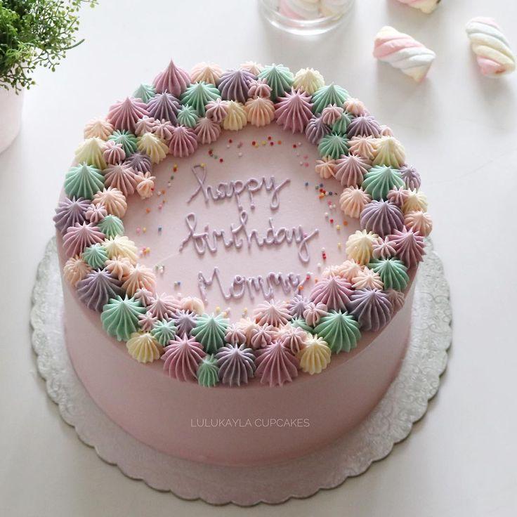 #cake #cakeshop #cakes #cakejakarta #cupcakes #cupcakejakarta #cafejakarta #lulukaylacupcake #kuejakarta #kueultah #kue #birthdaycake #JKTINFOOD #JKTFOODIES #buttercreamcake #customcake #customcakejakarta #flowercake #cupcakesjakarta #corallk