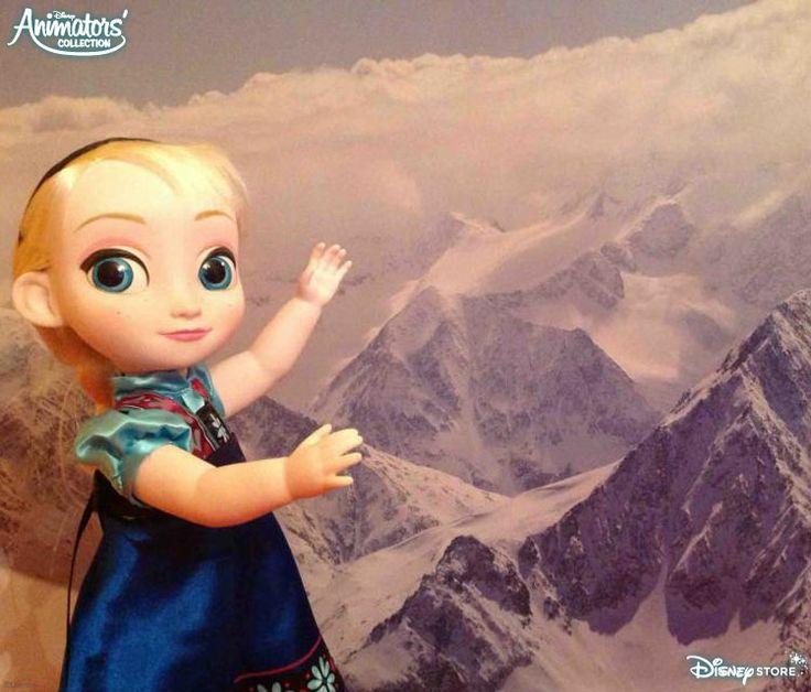Elsa se souvient en rigolant de ses aventures dans les montagnes !