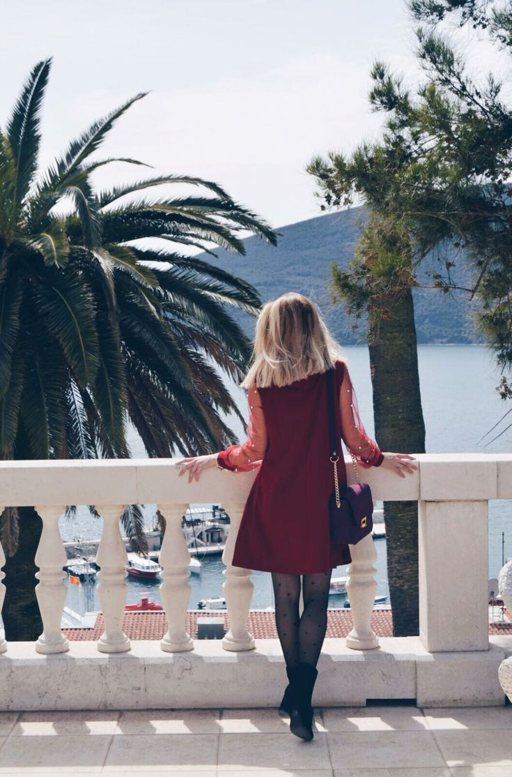 HOW TO WEAR A LITTLE RED DRESS