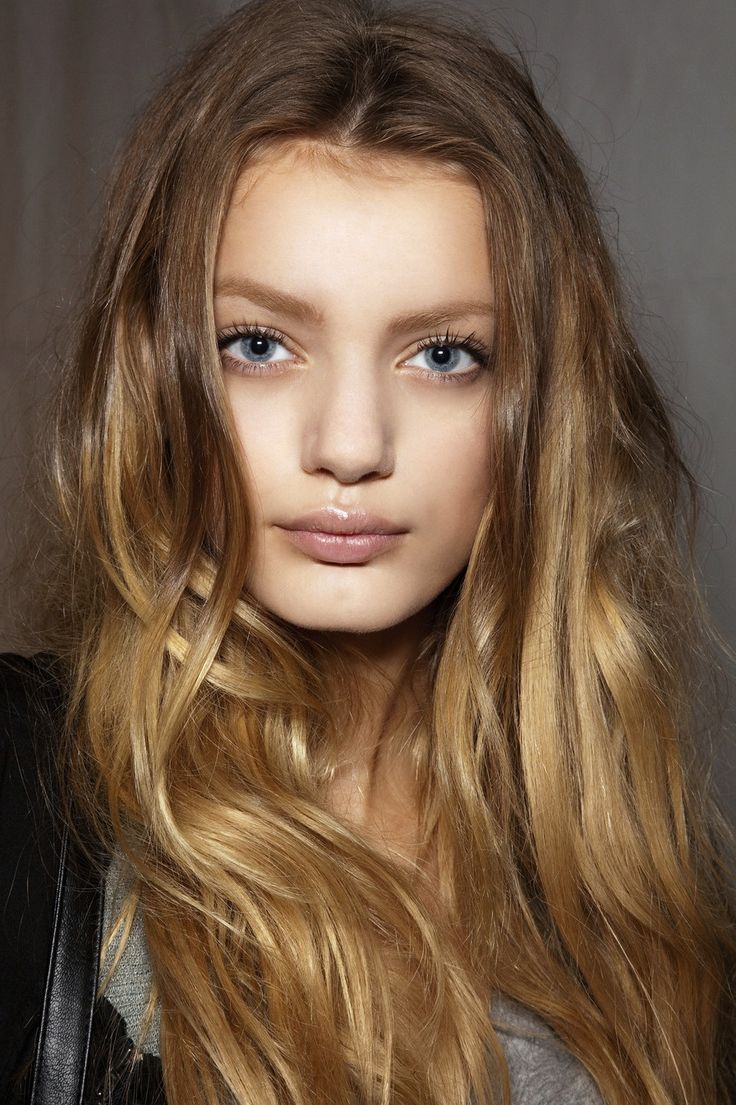 Bregje Heinen at Chloe SS 10  Her eyes, lips, face shape and hair are identical to Lily's. She just has a thicker nose.