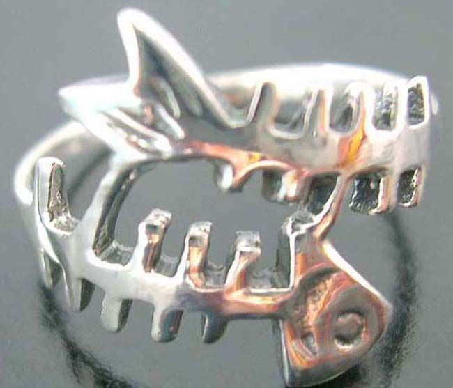 Fun fashion accessories, hot designer wear, fishbone jewelry, cool rings, sterling silver, teen collectibles