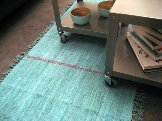 cute (and dead easy) tutorial for an inexpensive area rug.
