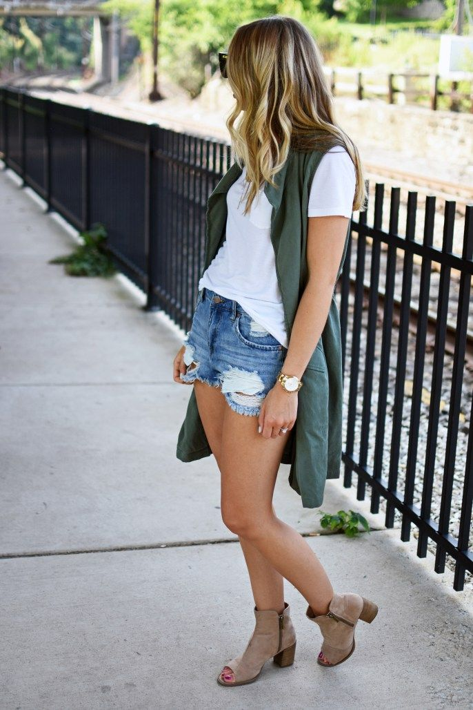 Utility vest and cutoffs combo