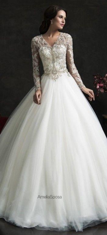 Потрясающие свадебные платья с кружевом    #wedding #bride #flowers
