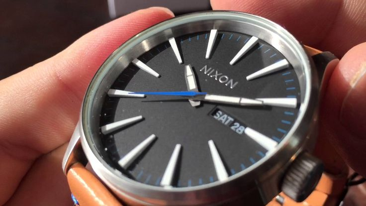 Nixon Men's A105 Sentry 42mm Stainless Steel Leather Quartz Movement Watch Review