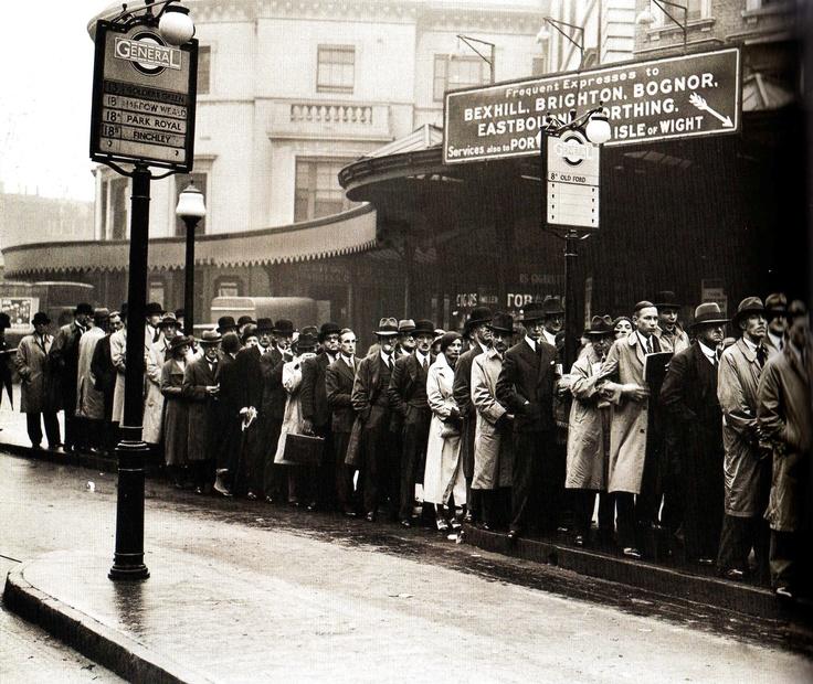 Crowds waiting for buses at London Bridge, London - 26 September 1935